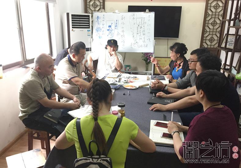 2017.6.3芜湖电视台芜湖日报来徽艺坊采访10